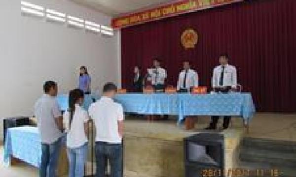 """Viện kiểm sát nhân dân huyện Khánh Sơn phối hợp tổ chức phiên tòa xét xử lưu động vụ án """"Trộm cắp tài sản"""""""