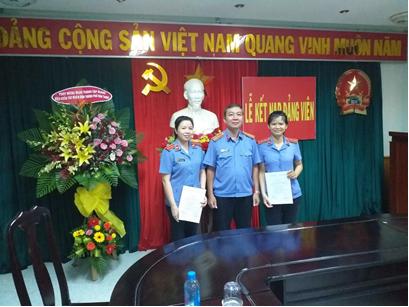 VKSND thành phố Nha Trang tổ chức kết nạp đảng viên mới...