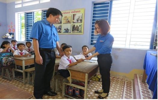 Chi đoàn Thanh niên Viện kiểm sát nhân dân huyện Vạn Ninh......